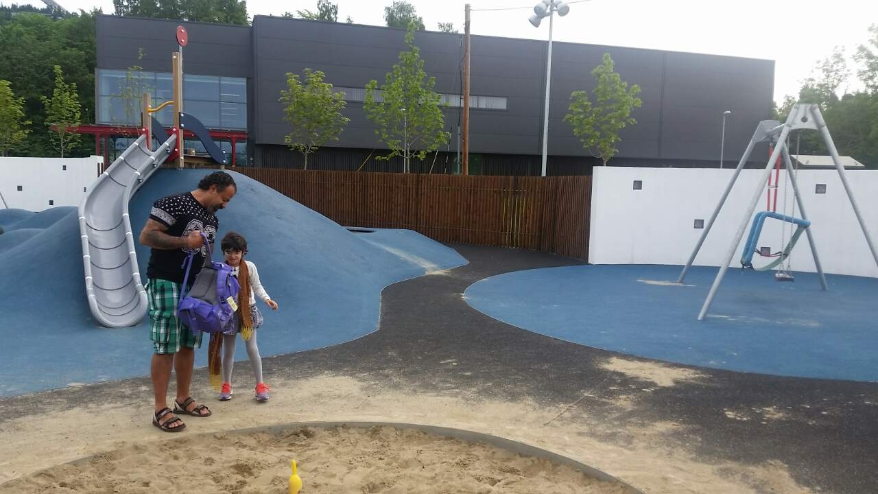 Several visits to school yard just for playing and fun gives confidence to your child.